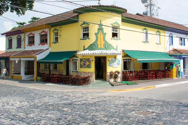 Centro histórico, conhecido como Vila, em Ilhabela, São Paulo.  Photograph by Ricardo Junior / www.ricardojuniorfotografias.com.br