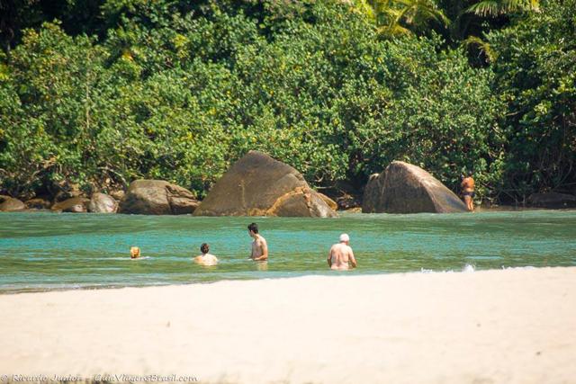 Praia dos Castelhanos, em Ilhabela. Photograph by Ricardo Junior / www.ricardojuniorfotografias.com.br