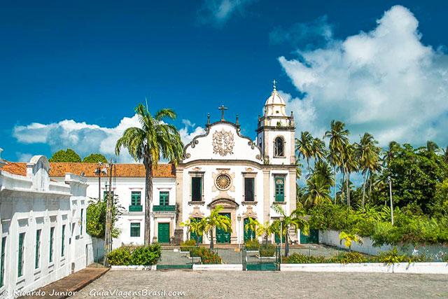 Igreja e Mosteiro de São Bento, em Olinda, PE. Photograph by Ricardo Junior / www.ricardojuniorfotografias.com.br