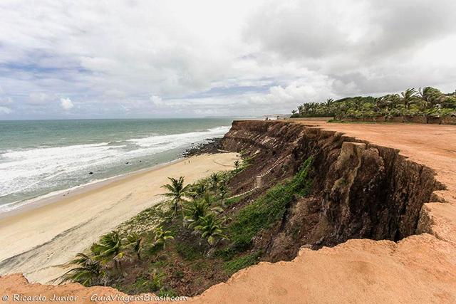 A Praia das Minas é a mais deserta da região, em Pipa, Rio Grande do Norte. Photograph by Ricardo Junior / www.ricardojuniorfotografias.com.br