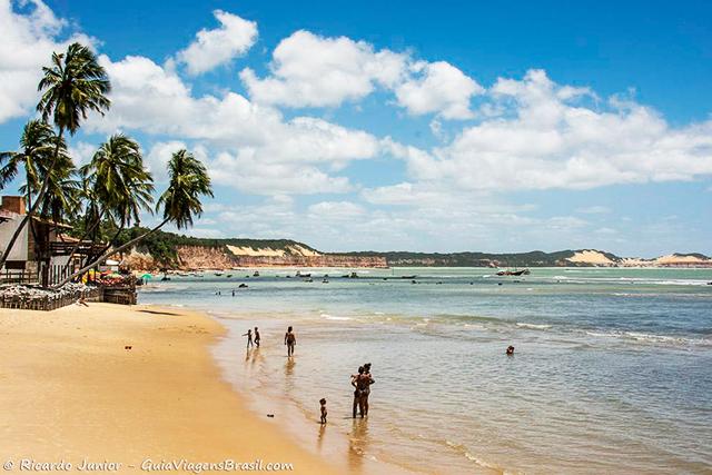Praia de Pipa, a mais central. Em Tibau do Sul, Rio Grande do Norte. Photograph by Ricardo Junior / www.ricardojuniorfotografias.com.br