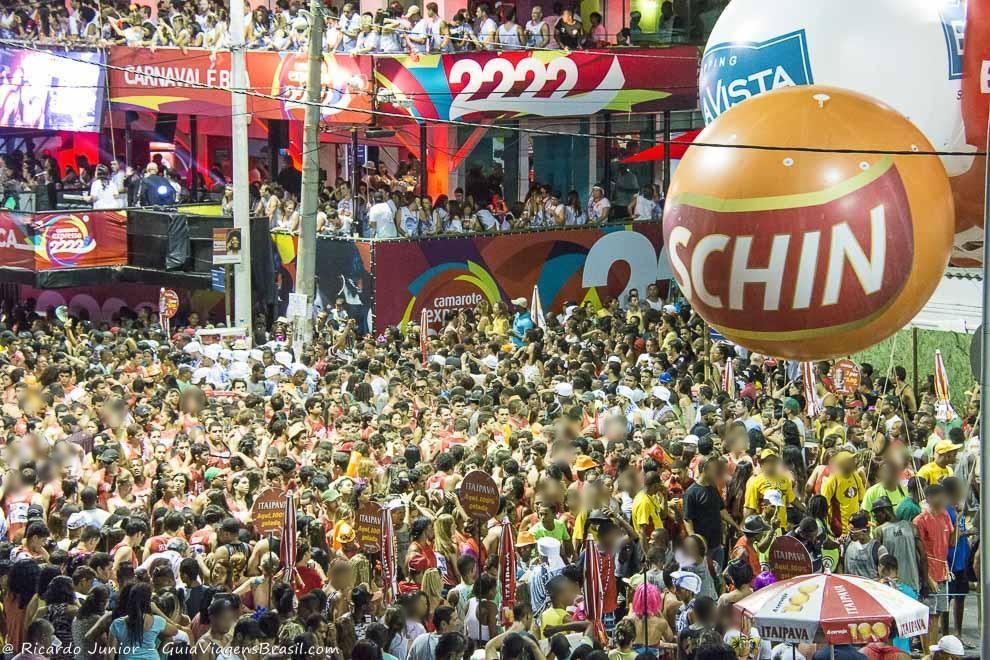 Camarote Expresso 222, no Carnaval de Salvador, Bahia. Fotos de Ricardo Junior / www.ricardojuniorfotografias.com.br