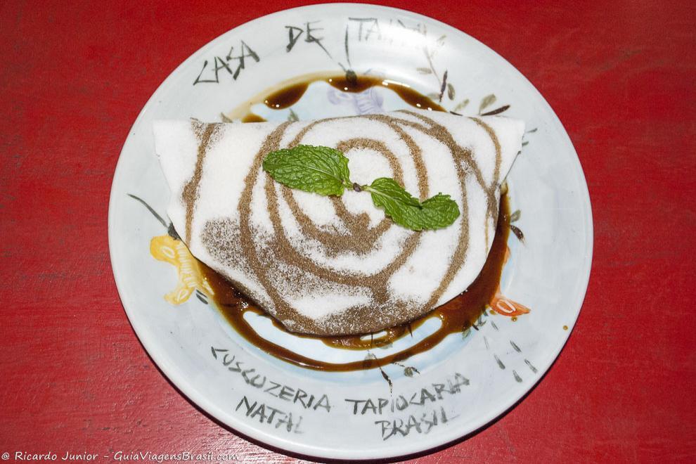 Tapioca, o prato típico de Natal, servida em diversas tapiocarias da cidade. Photograph by Ricardo Junior / www.ricardojuniorfotografias.com.br