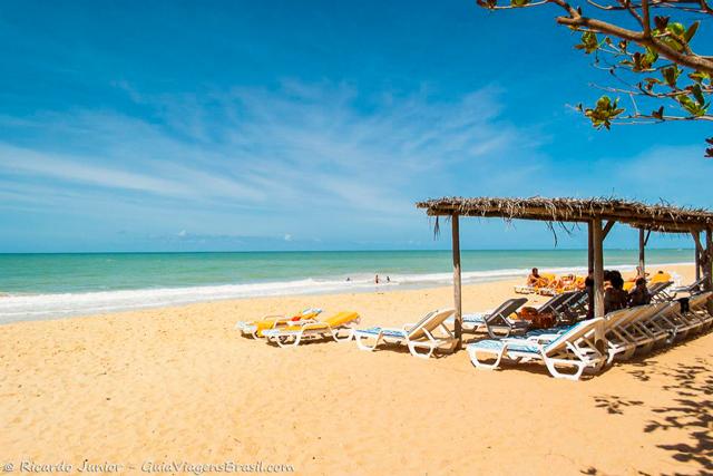 Praia do Club Med, em Arraial D'Ajuda, na Bahia. Photograph by Ricardo Junior / www.ricardojuniorfotografias.com.br