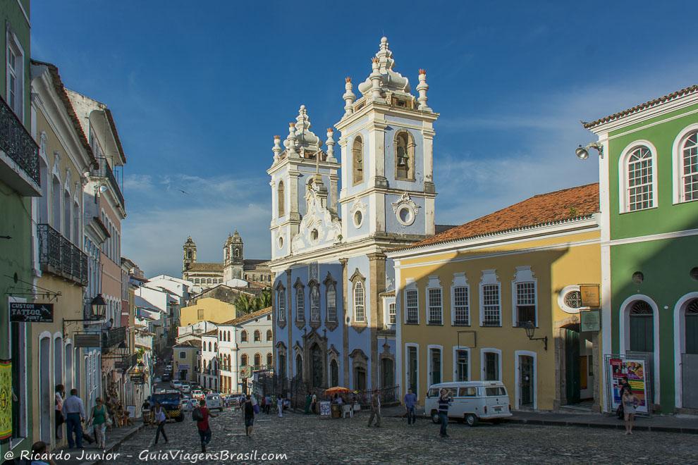 As ladeiras do Pelourinho com a Igreja Nossa Senhora do Rosário dos Pretos. Photograph by Ricardo Junior / www.ricardojuniorfotografias.com.br