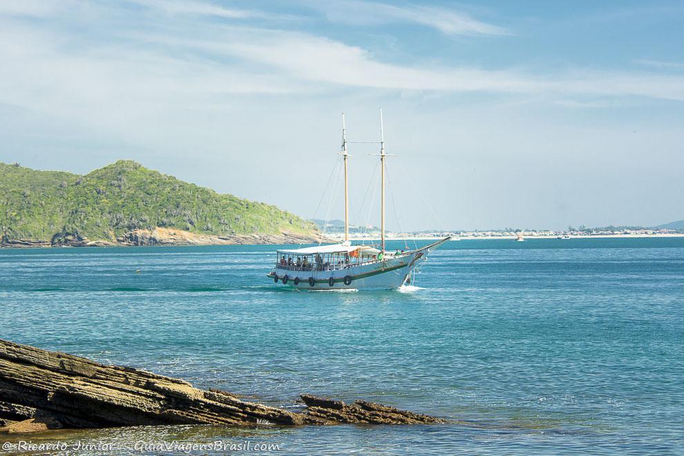lindo-barco-praia-azeda-buzios-rj