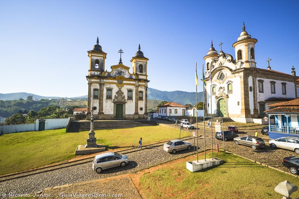Praça de Minas Gerais, em Mariana, que abriga as lindas igrejas barrocas. Fotos de Ricardo Junior / www.ricardojuniorfotografias.com.br