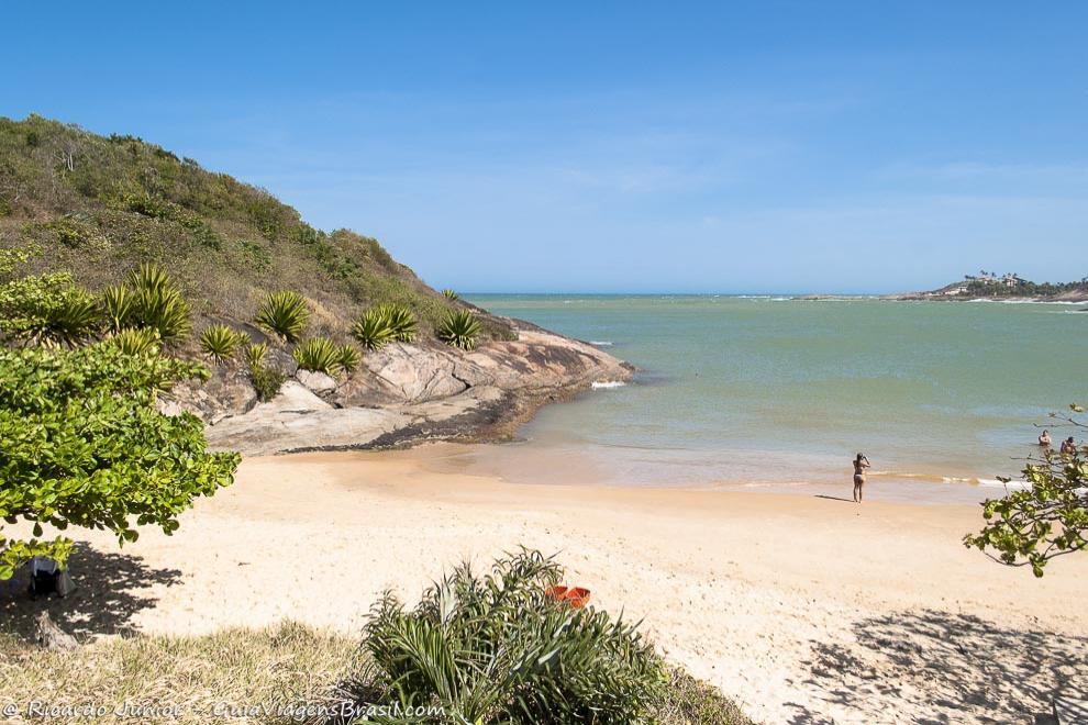 Praia de Bacutia, em Guarapari, Espírito Santo. <br /> Fotos de Ricardo Junior / www.ricardojuniorfotografias.com.br