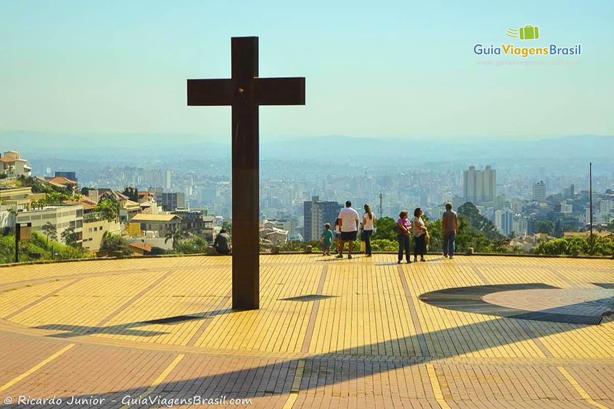 Praça do Papa, com uma vista linda de Belo Horizonte, que promove o Arraial de Belô. Fotos de Ricardo Junior / www.ricardojuniorfotografias.com.br