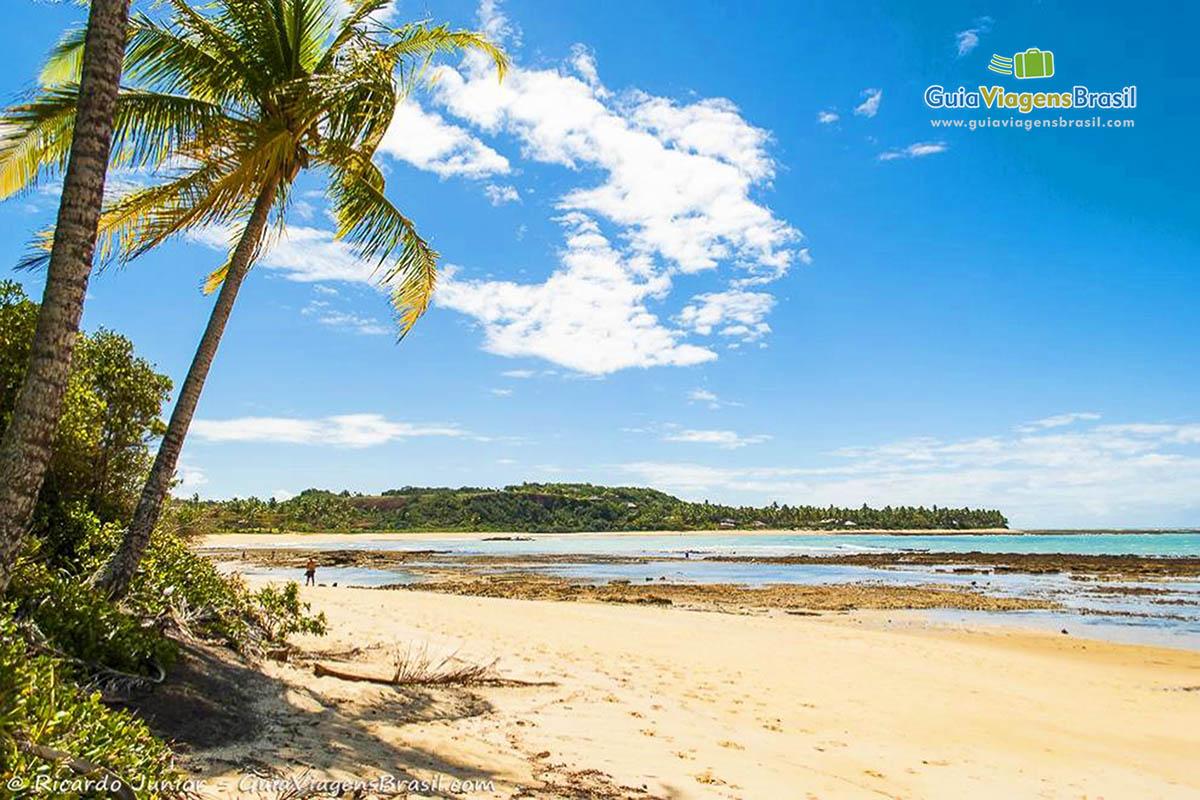 Praia de Setiquara, na paradisíaca Praia do Espelho, na Bahia.  Fotos de Ricardo Junior / www.ricardojuniorfotografias.com.br