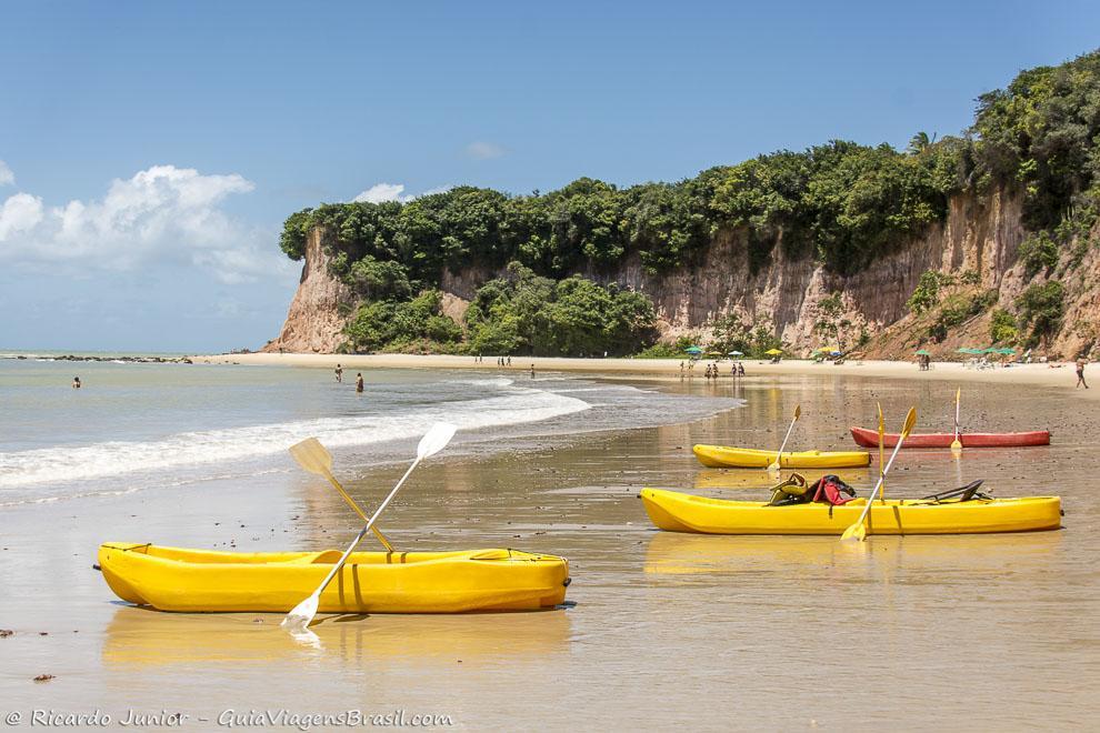 Praia do Curral, em Pipa, muitas atividades para adultos e crianças, pertinho de Natal, RN. Fotos de Ricardo Junior / www.ricardojuniorfotografias.com.br