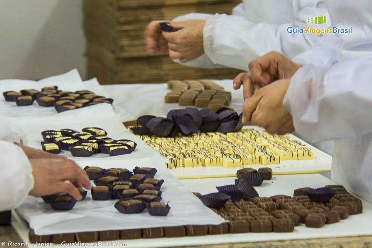 deliciosos-chocolates-fabrica-chocolate-gramado-rs
