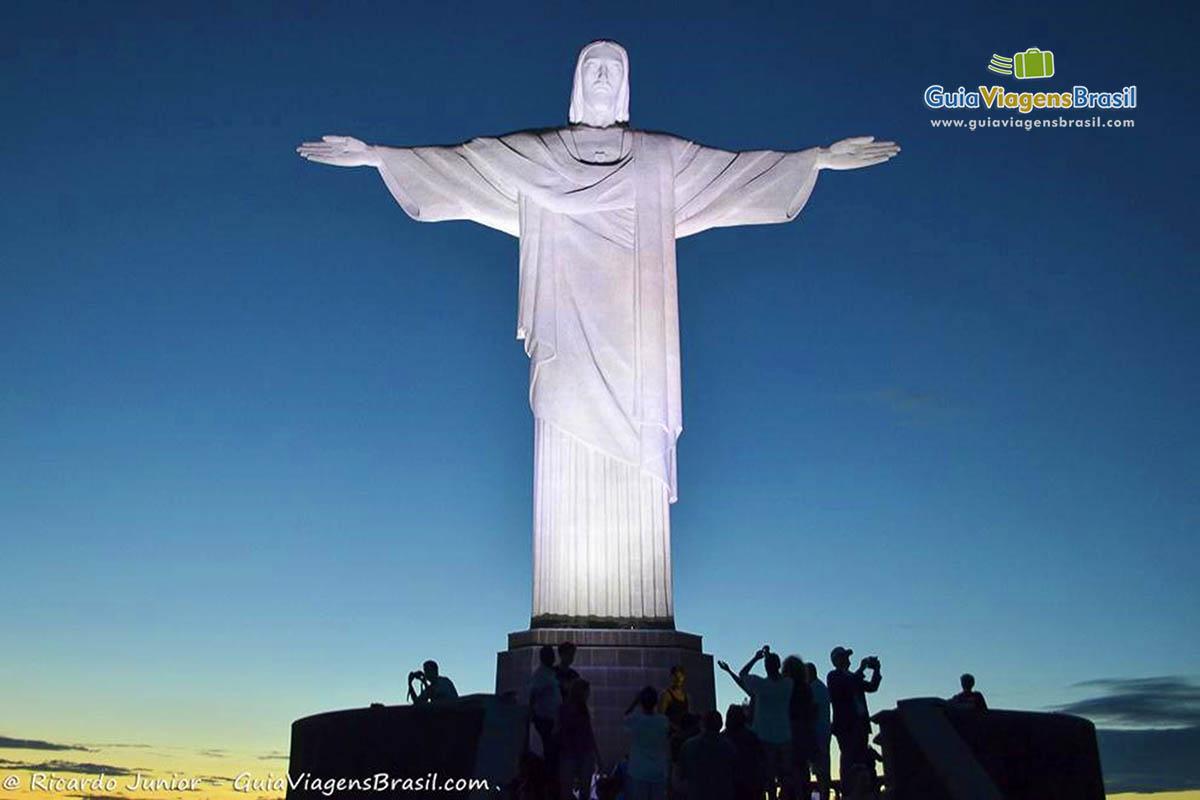 Cristo Redentor no Corcovado, ponto obrigatório para todos os turistas do Rio de Janeiro. <br /> Fotos de Ricardo Junior / www.ricardojuniorfotografias.com.br
