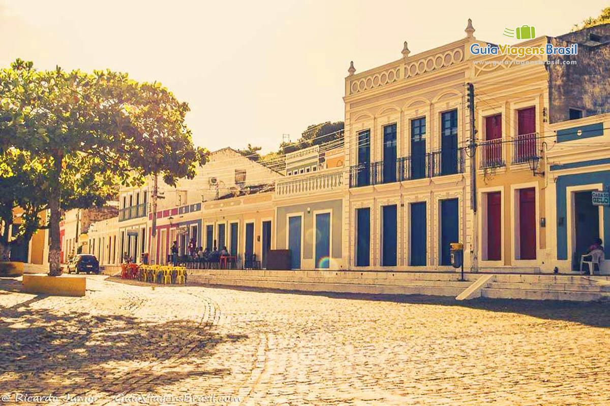 Praça e seus casarões históricos e charmosos, em Piranhas, AL. <br /> Fotos de Ricardo Junior / www.ricardojuniorfotografias.com.br