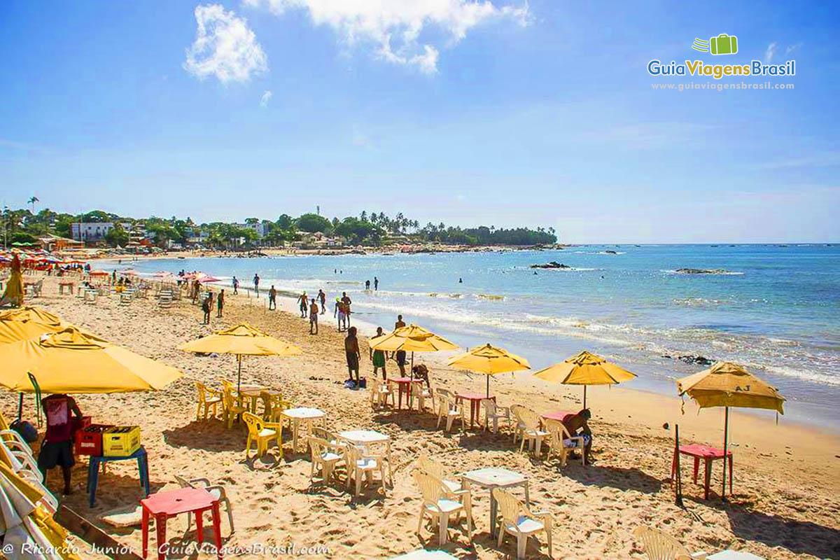 Barraquinhas na Praia de Itapuã, em Salvador, BA. <br /> Fotos de Ricardo Junior / www.ricardojuniorfotografias.com.br