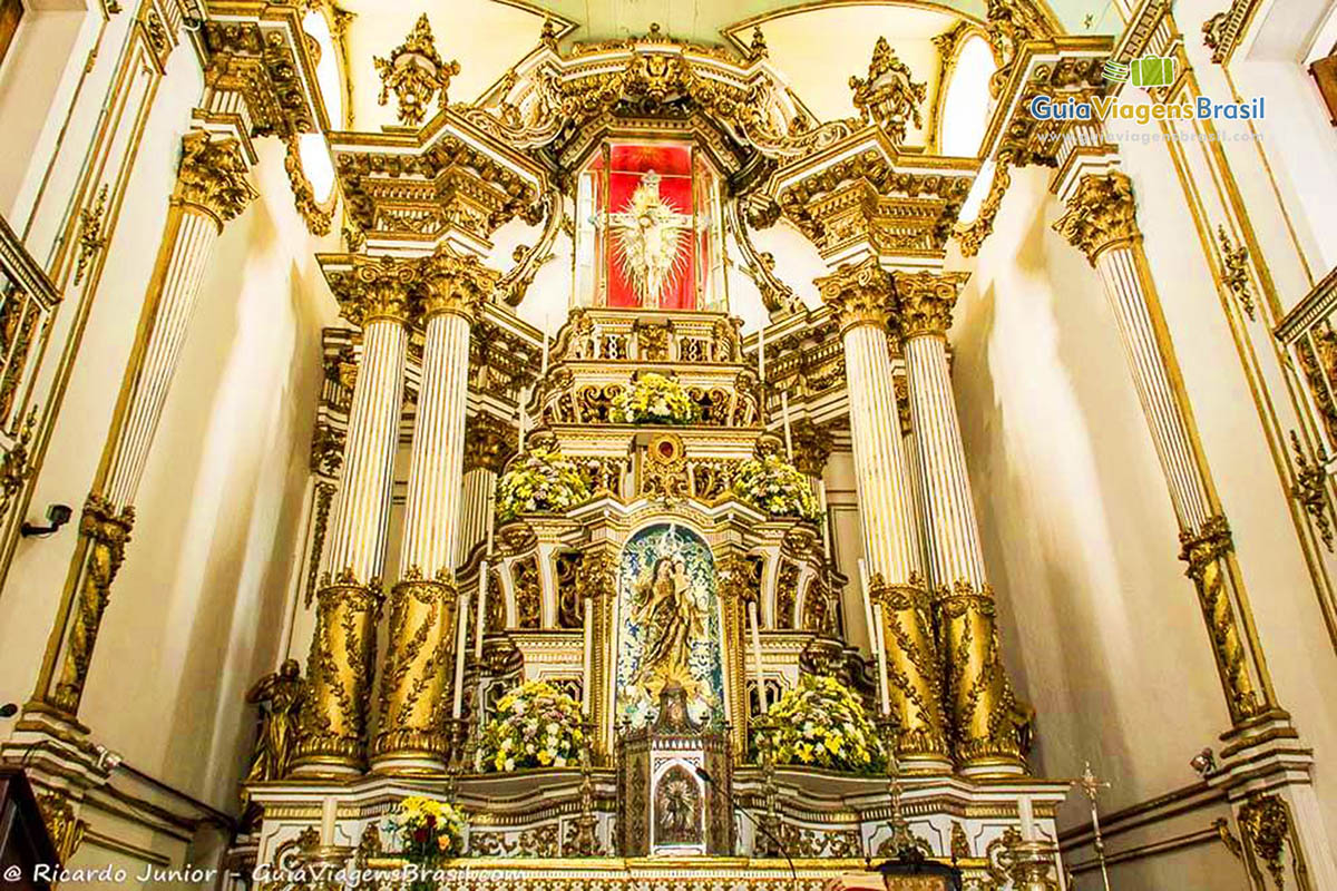 Altar da Igreja Nosso Senhor do Bonfim, em Salvador, BA. Fotos de Ricardo Junior / www.ricardojuniorfotografias.com.br