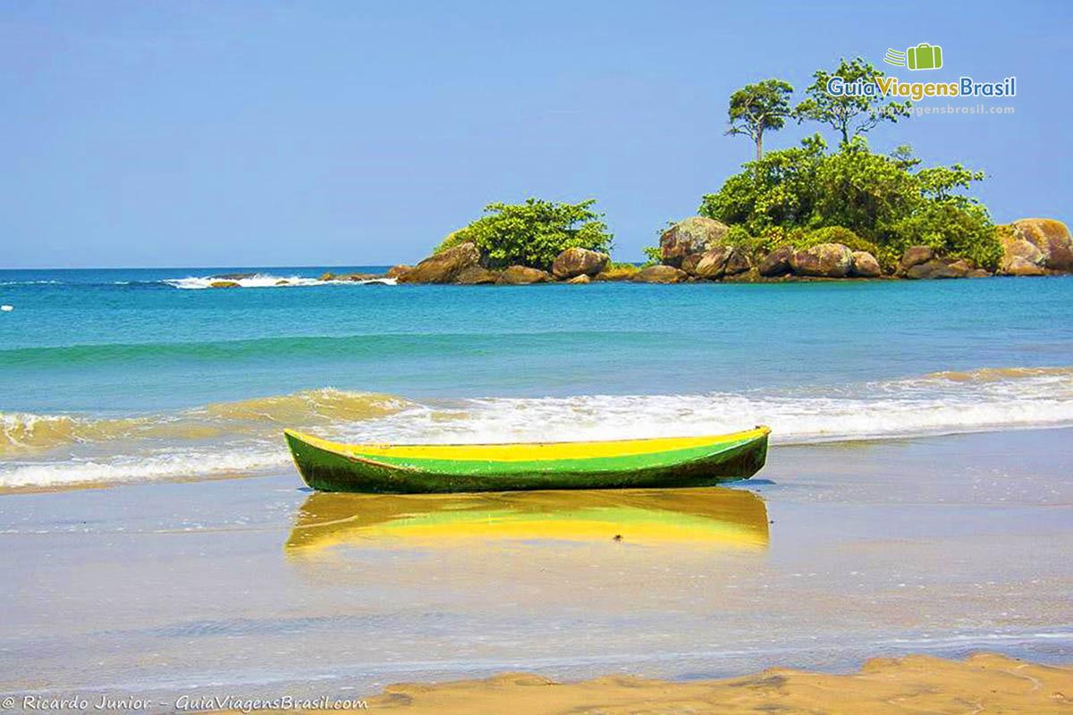 imagem-praia-castelhanos-ilhabela-sp