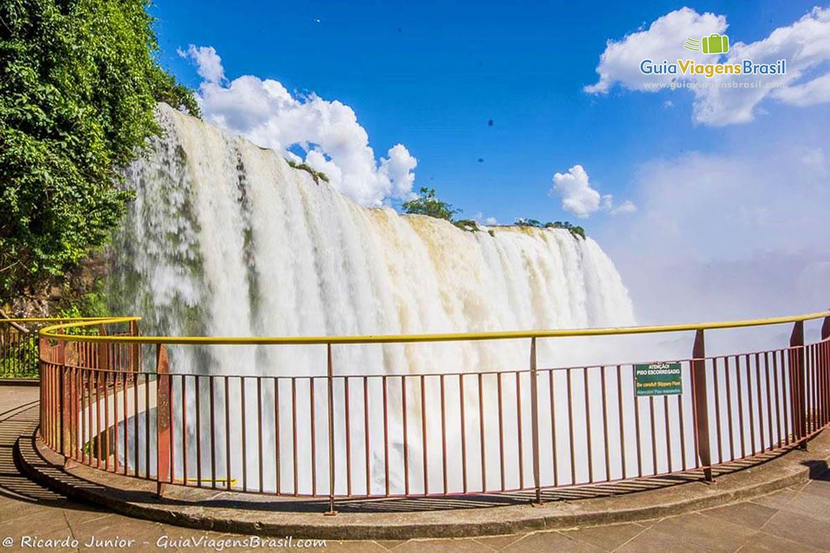 foto-parque-nacional-iguacu-em-foz-do-iguacu-parana-brasil-foto-8392