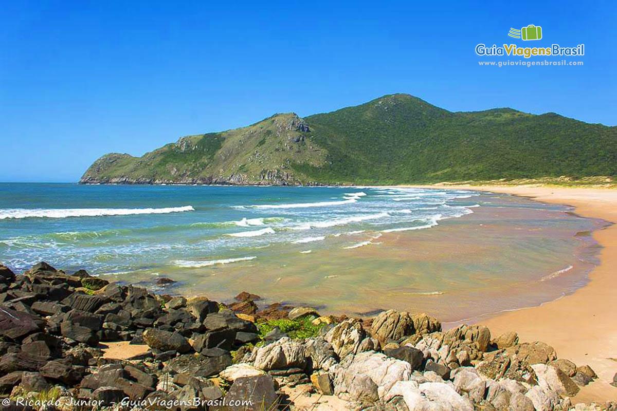 deserta-praia-lagoinha-do-leste-florianopolis-sc