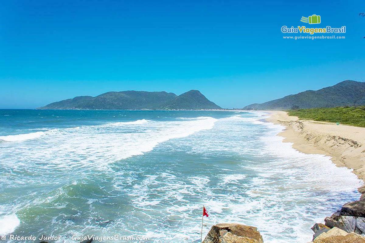 imagem-praia-da-armacao-florianopolis-sc