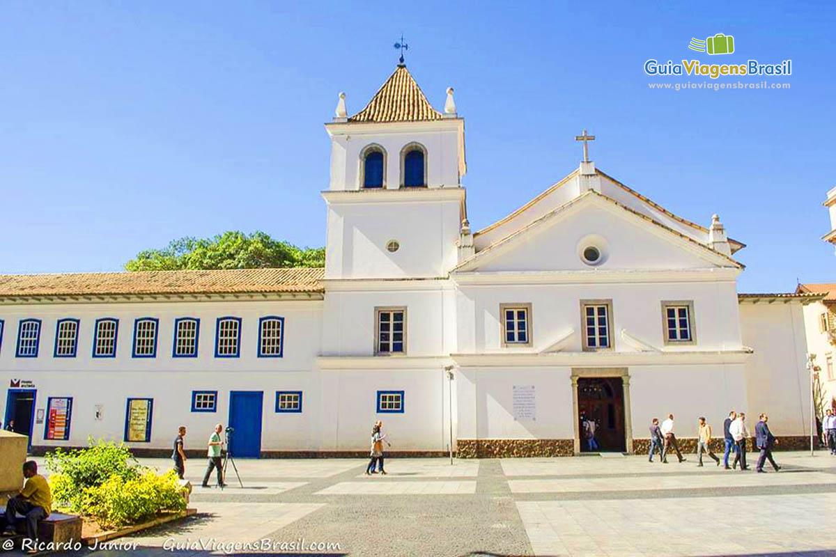foto-patio-do-colegio-em-sao-paulo-capital-brasil-0760