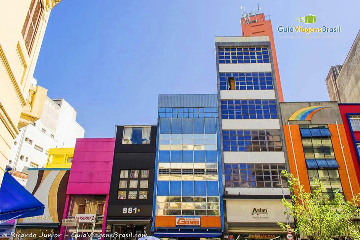 foto-rua-25-de-marco-em-sao-paulo-brasil-0518