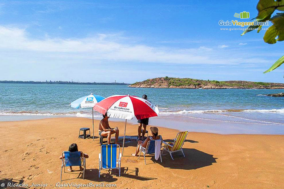 foto-praia-ilha-do-boi-vitória-es