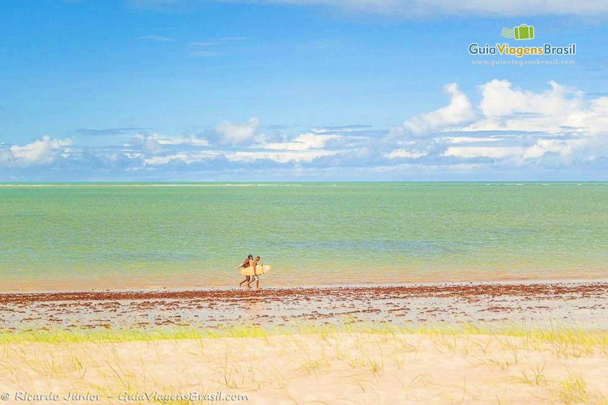 surfista-praia-camboinha-joao-pessoa-pb