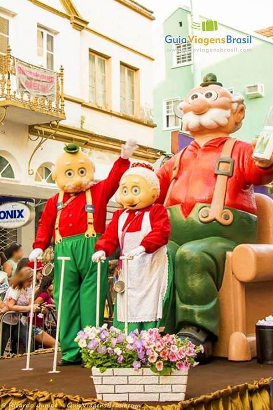 carro-alegorico-desfile-oktoberfest