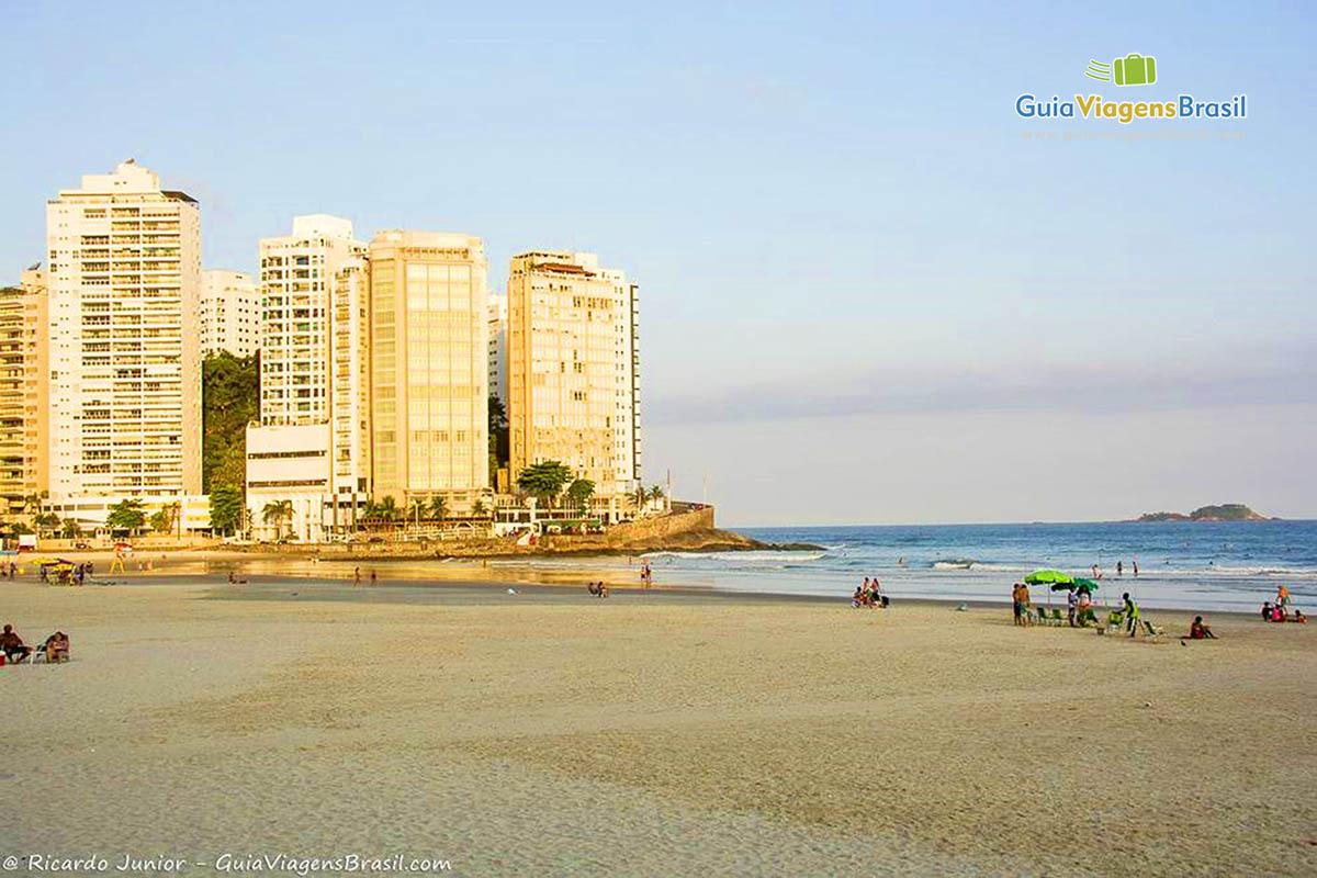 praia-das-pitangueiras-guaruja-sp