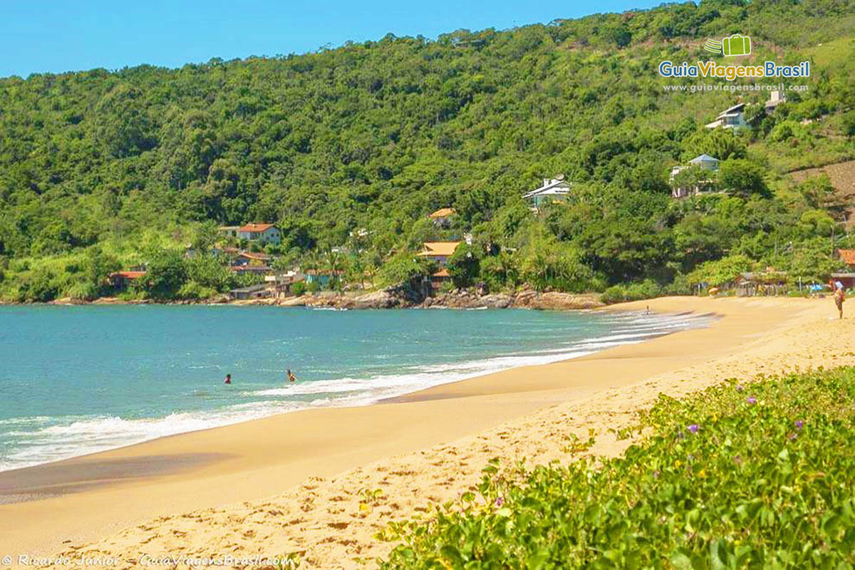 lindo-mar-praia-taquarinhas-balneario-camboriu