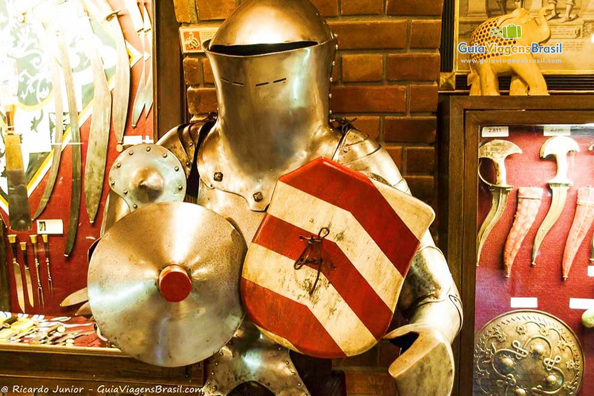 armadura-museu-brenand-recife-pe