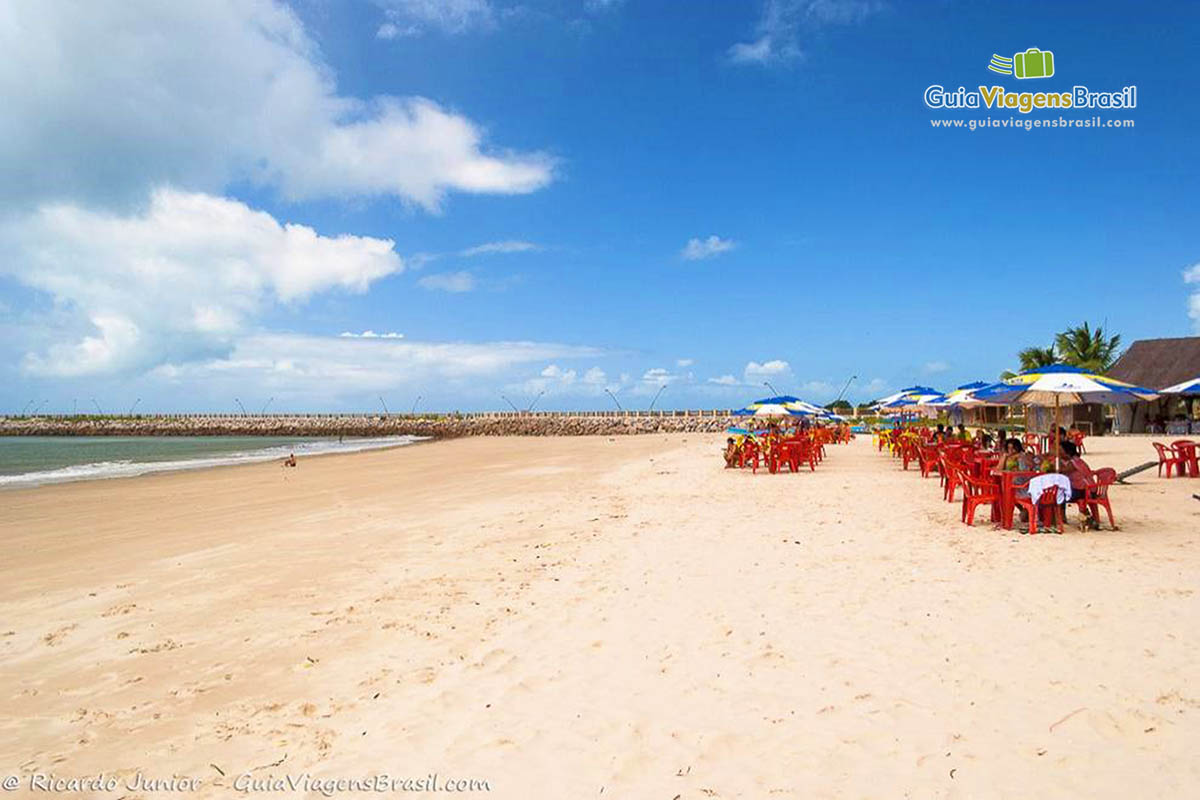 grande-faixa-areia-praia-rendinhas-natal-rn