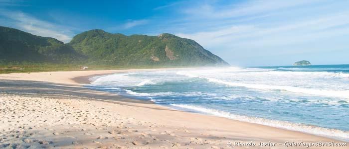 Foto da Praia de Grumari no Rio de Janeiro - Photograph by Ricardo Junior / www.ricardojuniorfotografias.com.br