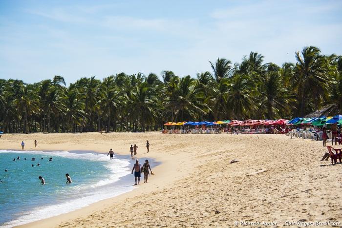 Imagem da orla da linda Praia do Gunga, em Barra de São Miguel - Photograph by Ricardo Junior / www.ricardojuniorfotografias.com.br