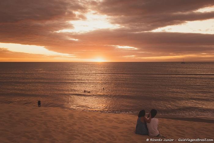 Foto do pôr-do-sol nas dunas de Jericoacoara, no Ceará -  Photograph by Ricardo Junior / www.ricardojuniorfotografias.com.br