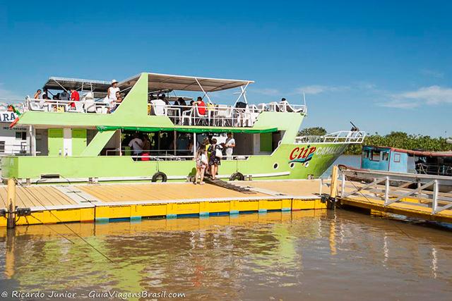 Um dos barcos do passeio pelo Delta do Parnaíba, no Piauí. Photograph by Ricardo Junior / www.ricardojuniorfotografias.com.br