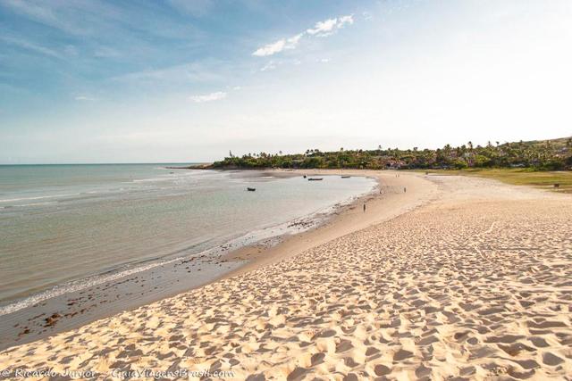 Praia de Jericoacoara para caminhadas. Photograph by Ricardo Junior / www.ricardojuniorfotografias.com.br