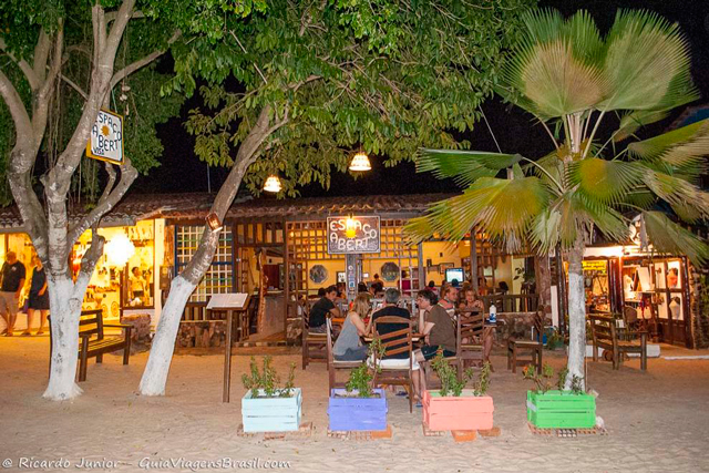 Restaurante na Vila de Jericoacoara. Photograph by Ricardo Junior / www.ricardojuniorfotografias.com.br