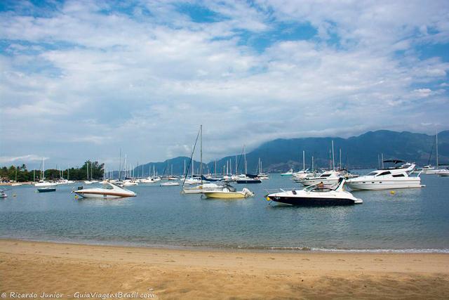 Considerada Capital Nacional da Vela, Ilhabela é lugar ideal para navegar. Photograph by Ricardo Junior / www.ricardojuniorfotografias.com.br