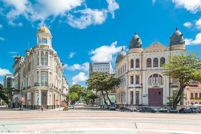 Casarios antigos, Recife Antigo. Photograph by Ricardo Junior / www.ricardojuniorfotografias.com.br