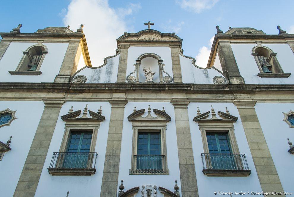 A Igreja Madre de Deus data de 1720 e é um dos patrimônios históricos de Recife - Photograph by Ricardo Junior / www.ricardojuniorfotografias.com.br