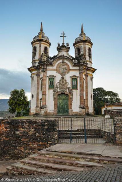 Igreja São Francisco de Assis, centro de Ouro Preto.  Photograph by Ricardo Junior / www.ricardojuniorfotografias.com.br