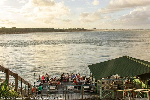 Fim de tarde na Lagoa de Guaraíras, ao sul de Pipa, Rio Grande do Norte. Photograph by Ricardo Junior / www.ricardojuniorfotografias.com.br