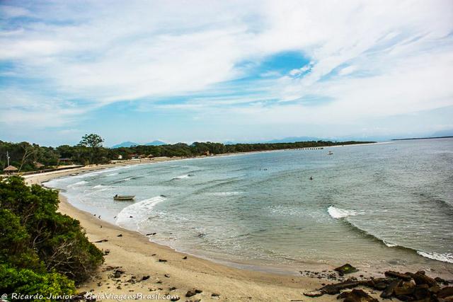 Alto da Praia do Forte de Nossa Senhora dos Prazeres, na Ilha do Mel, Paraná. Photograph by Ricardo Junior / www.ricardojuniorfotografias.com.br