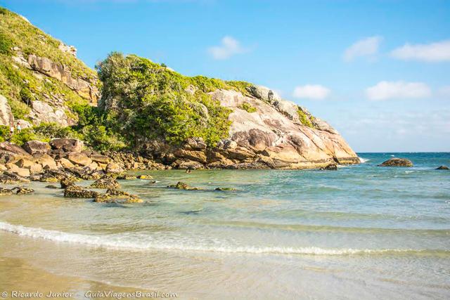 Praia Grande, na Ilha do Mel, no Paraná. Photograph by Ricardo Junior / www.ricardojuniorfotografias.com.br