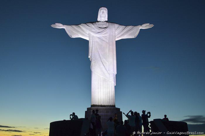 Cristo Redentor no Rio de Janeiro - Photograph by Ricardo Junior / www.ricardojuniorfotografias.com.br