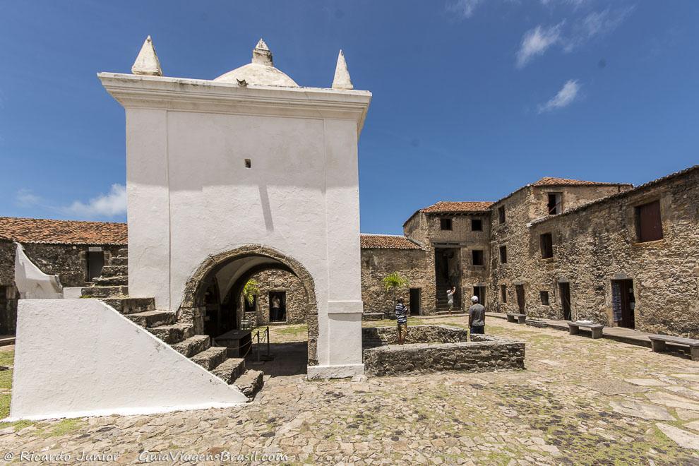 Forte dos Reis Magos, na torre branca estão as imagens dos Reis, em Natal. Photograph by Ricardo Junior / www.ricardojuniorfotografias.com.br