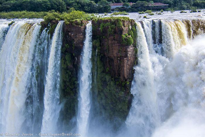 Imagem das Cataratas do Iguaçu na Argentina - Photograph by Ricardo Junior / www.ricardojuniorfotografias.com.br