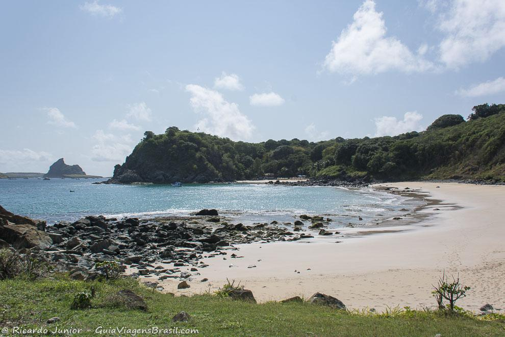 Mais tranquilidade e privacidade na Praia do Meio, em Fernando de Noronha. Photograph by Ricardo Junior / www.ricardojuniorfotografias.com.br